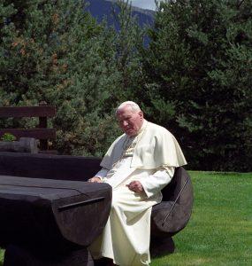 Jan Paweł II – ciekawostki z życia Świętego.