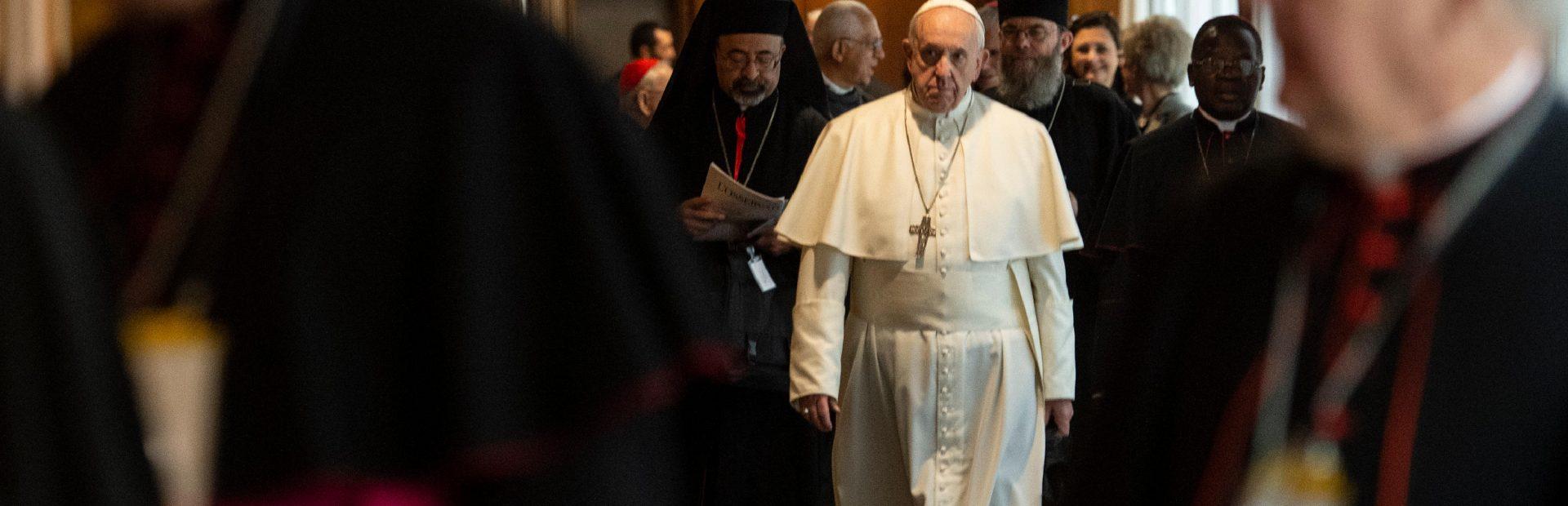 """Papa Francesco: """"La donna è l'immagine della Chiesa che è donna, è sposa, è madre"""""""